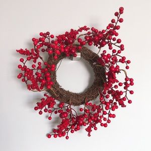 "11"" Berry Styrofoam Wreath"